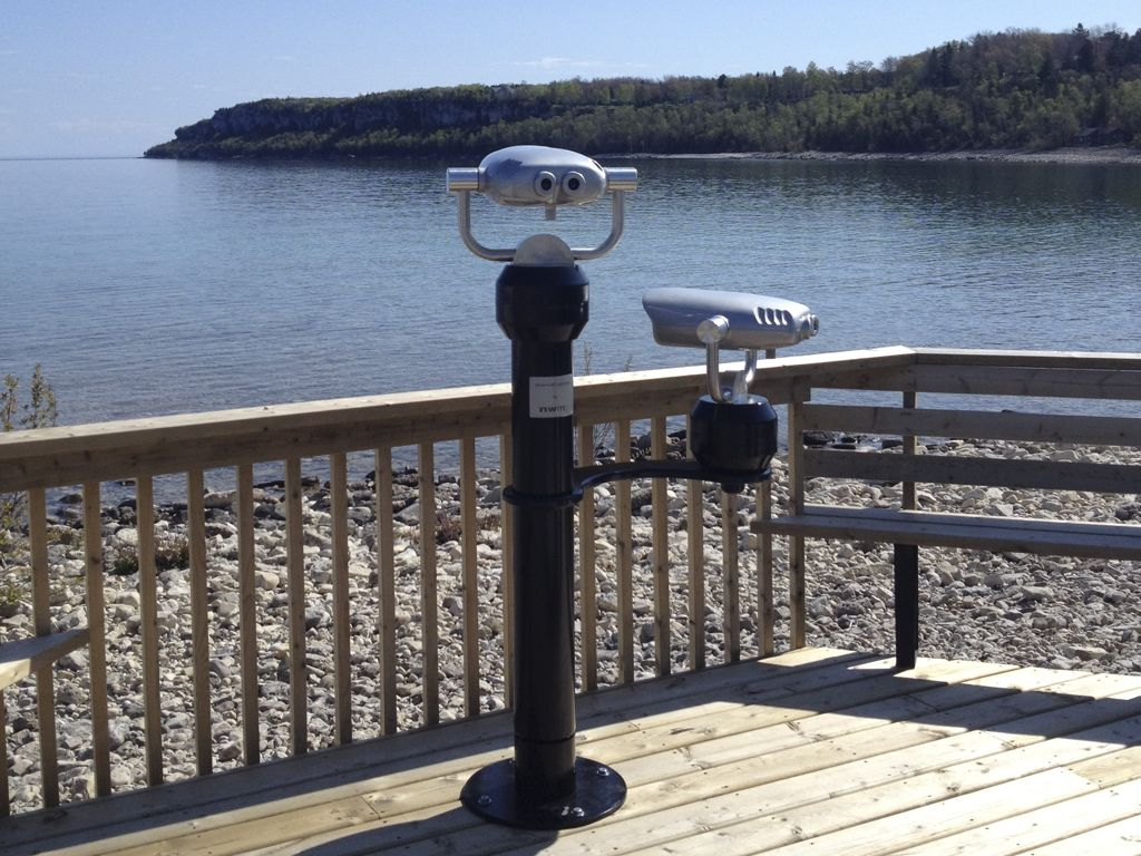 Dual Viewer in Lion's Head Ontario